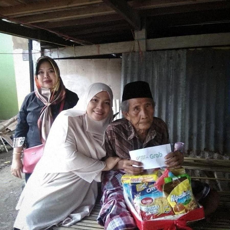5 & 10/1/19 Pembagian bingkisan dan talikasih untuk Veteran Makassar